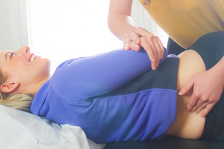 Back treatment by chiropractor